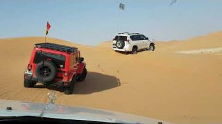 Abu dhabi 4x4 breast cancer awareness drive
