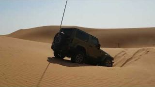 Jeep almost stuck in sweihan abu dhabi 4x4 oct 14th 17